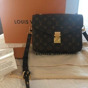 LOUIS VUITTON POCHETTE METÍS